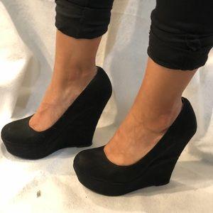 Shoes - Black wedges